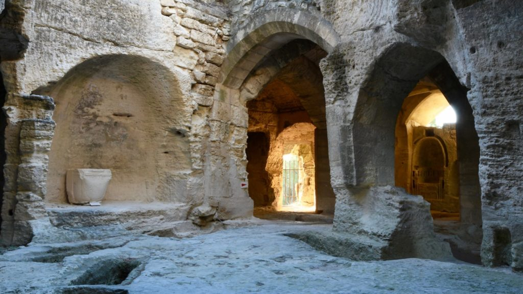 Abbaye troglodyte Saint Roman